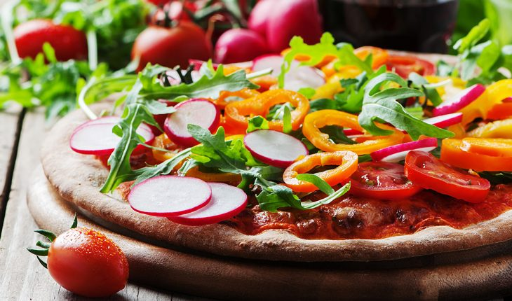 vegane Pizza mit leckerem Pizzaboden